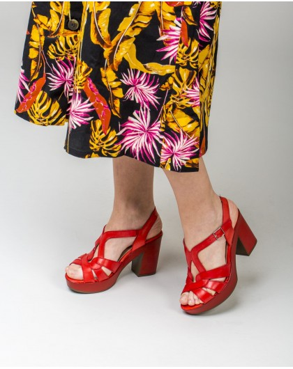 Wonders-Outlet-Court shoe with ankle strap closure