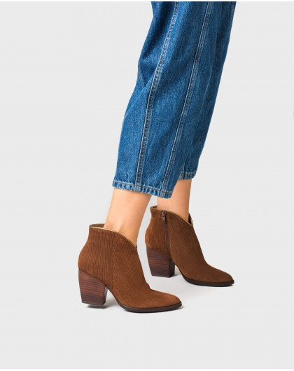 Wonders-Ankle Boots-High heeled cowboy style ankle boot