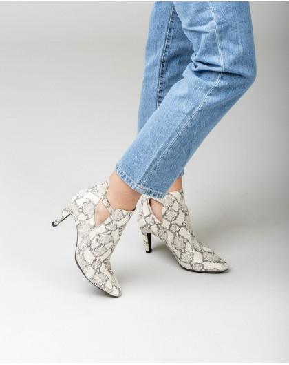 Wonders-Heels-Animal print high heeled ankle boot