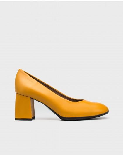 Wonders-Heels-Rectangular heeled court shoe