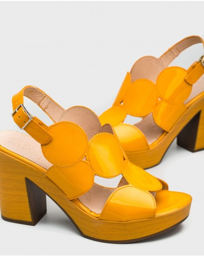 Wonders-Outlet-Sandal with circle detail