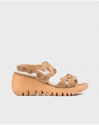 Wonders-Wedges-Sandal with vinyl detail