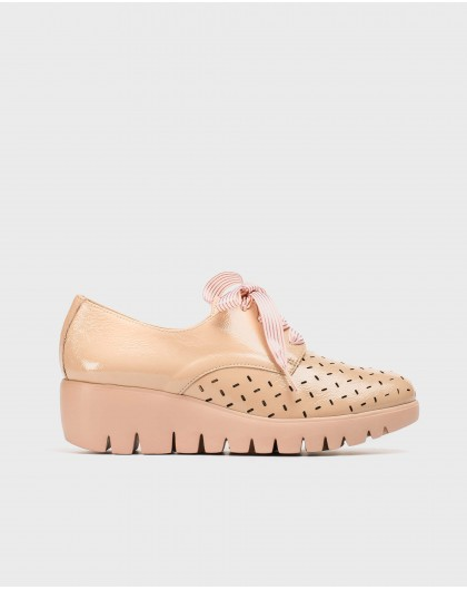 Wonders-Wedges-Blucher with bow detail