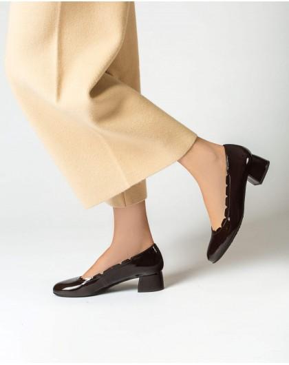 Asymmetric ballet pump