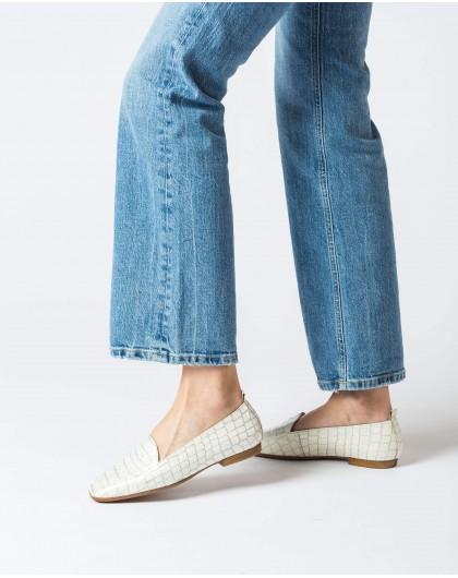 Wonders-Flat Shoes-Flat embossed leather shoe