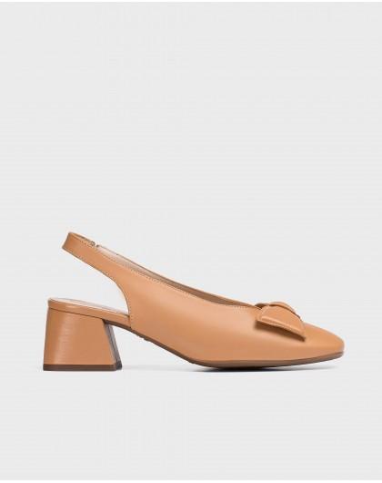 Wonders-Heels-High heeled shoe with a bow