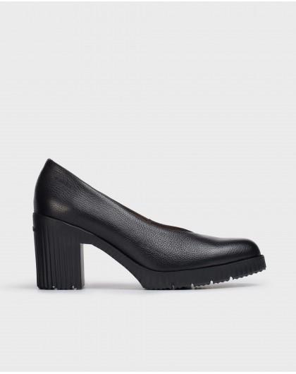 Wonders-Heels-Black Karma Shoe