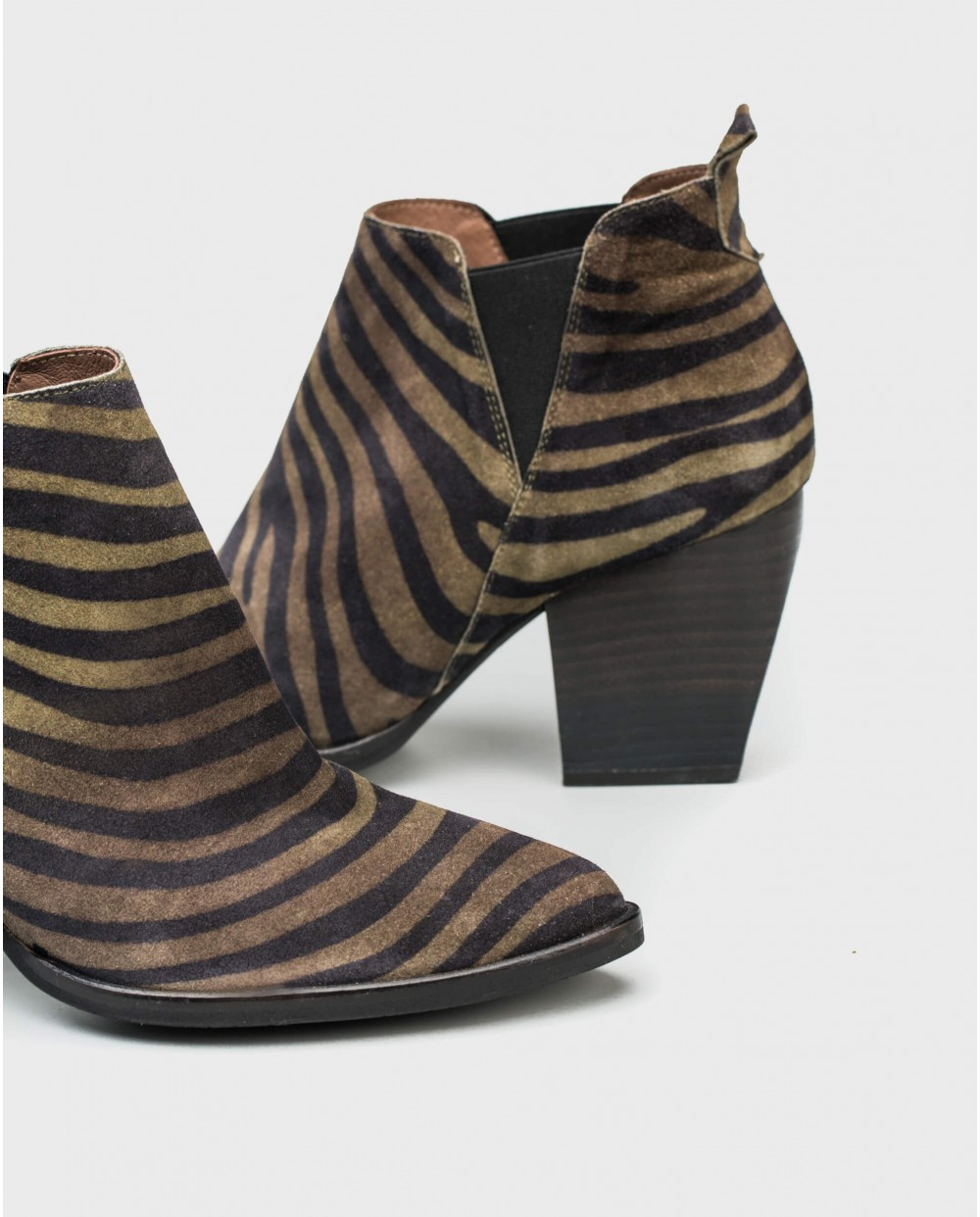 Wonders-Outlet-Zebra print cowboy ankle boot