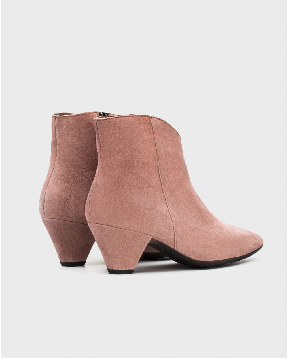 Wonders-Outlet-Suede leather ankle boot with V cut