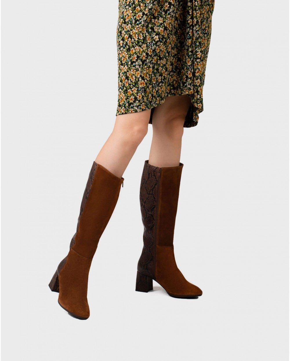 Wonders-Boots-Bi-leather boot with animal print