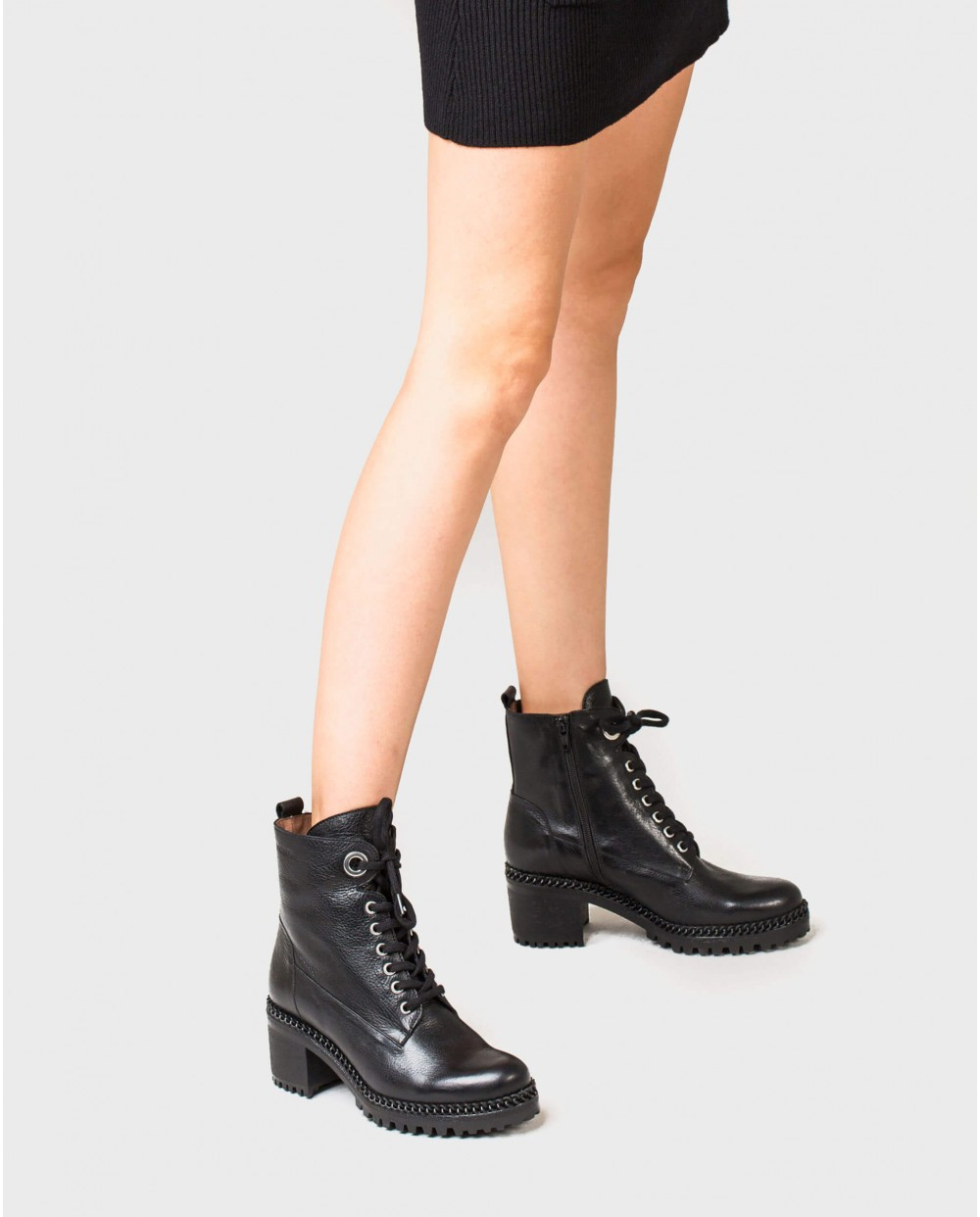 Wonders-Ankle Boots-Leather ankle boot with buckle detail