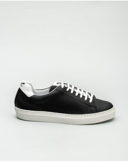Wonders-Sneakers-Sports shoes with embossed detail