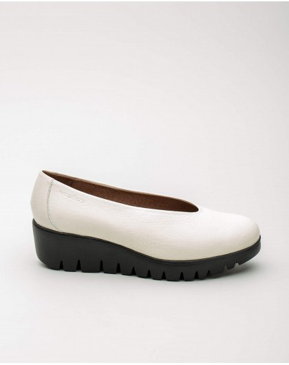 Wonders--Leather moccasin with wedge heel