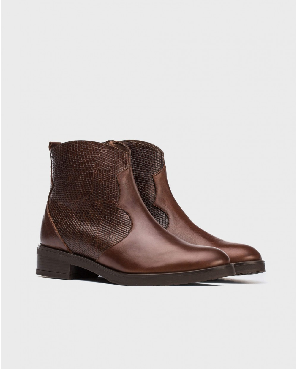 Wonders-Ankle Boots-Leather ankle boot with V cut out