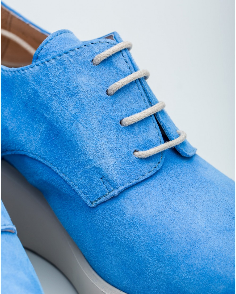 Wonders-Collections-Boot in an elastic material