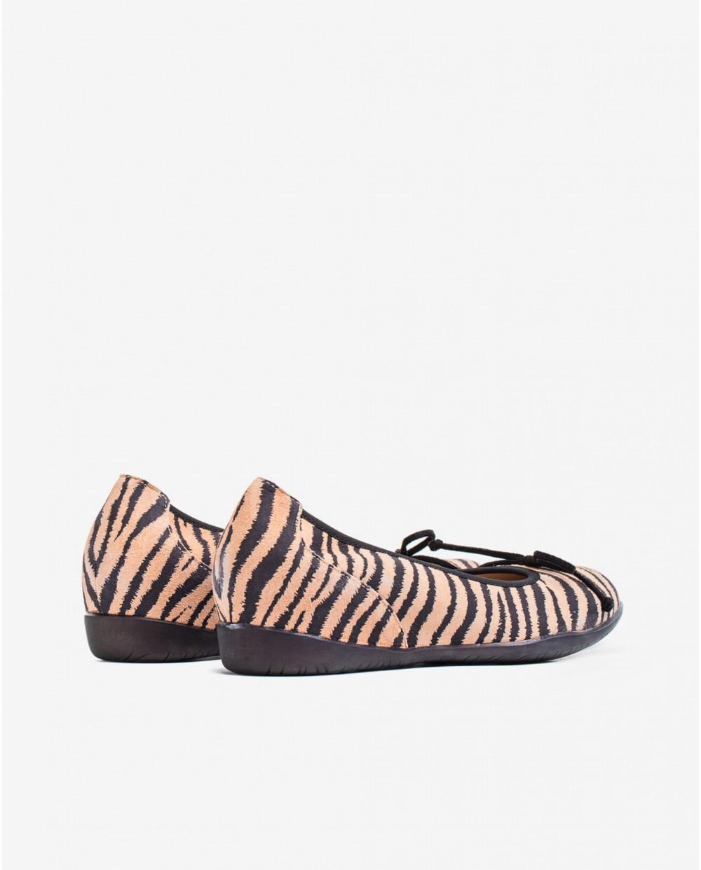 Wonders-Flat Shoes-Zebra print ballet pump with bow detail