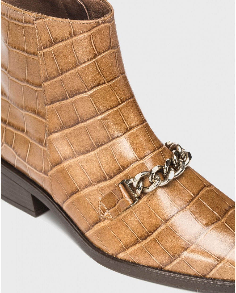 Wonders-Ankle Boots-Chelsea boot with chain