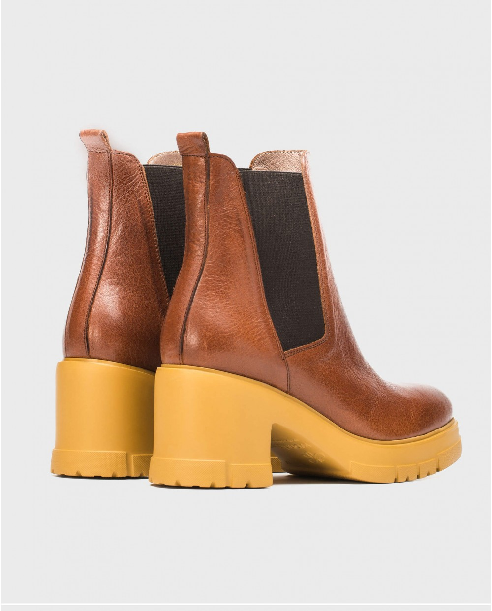Wonders-Ankle Boots-Ankle boot with track sole and elastic