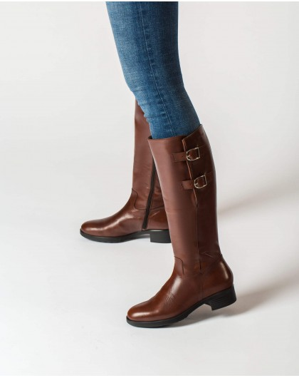 Wonders-Outlet-Boot with buckles for a wider fit
