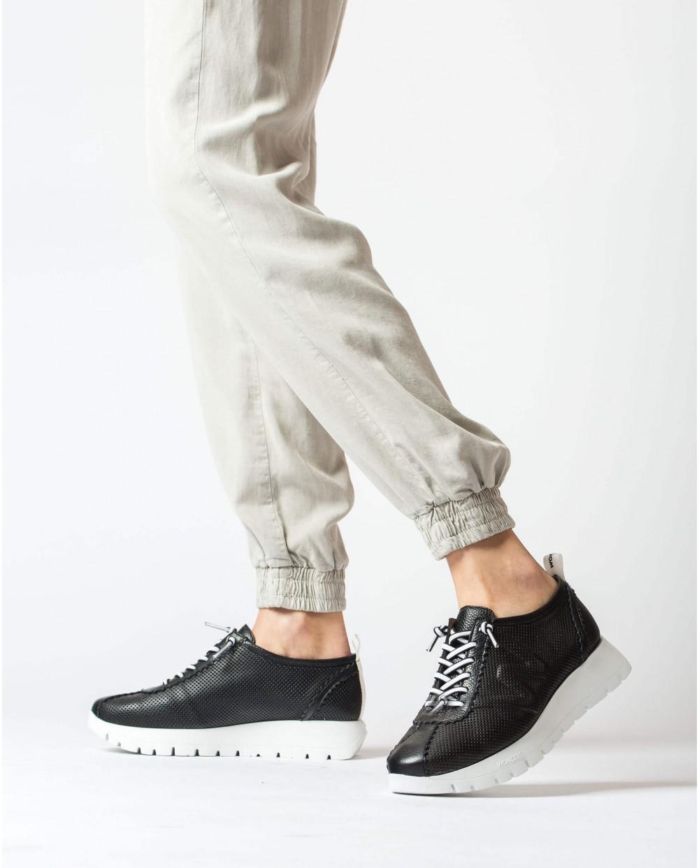 Wonders-Women-Sneaker in perforated leather