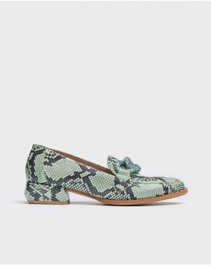 Wonders-Women-Moccasins with chain