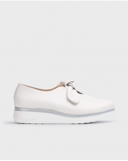 Wonders-Women-Moccasins with bow detail