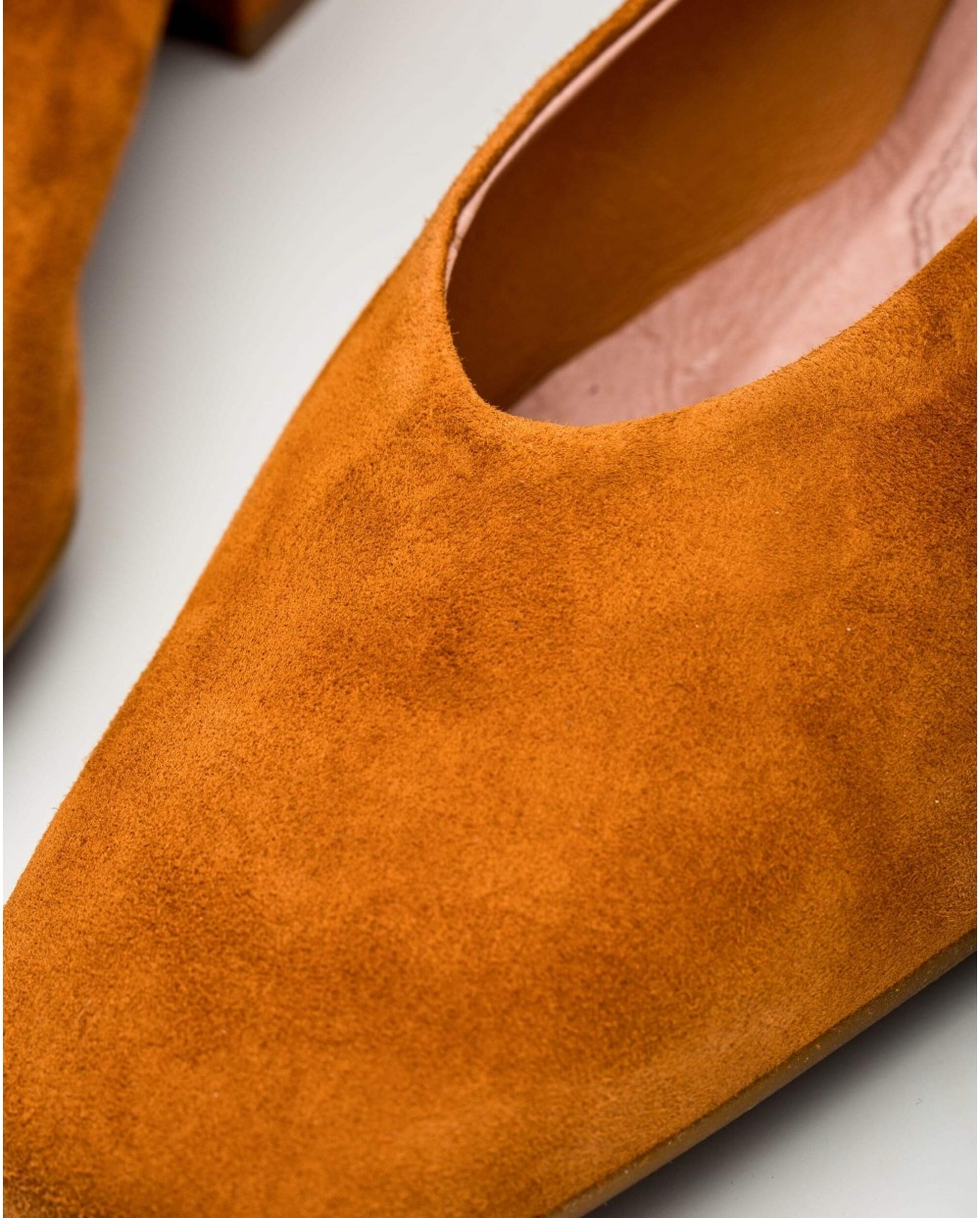 Wonders-Women-Suede leather high heels with a high throat