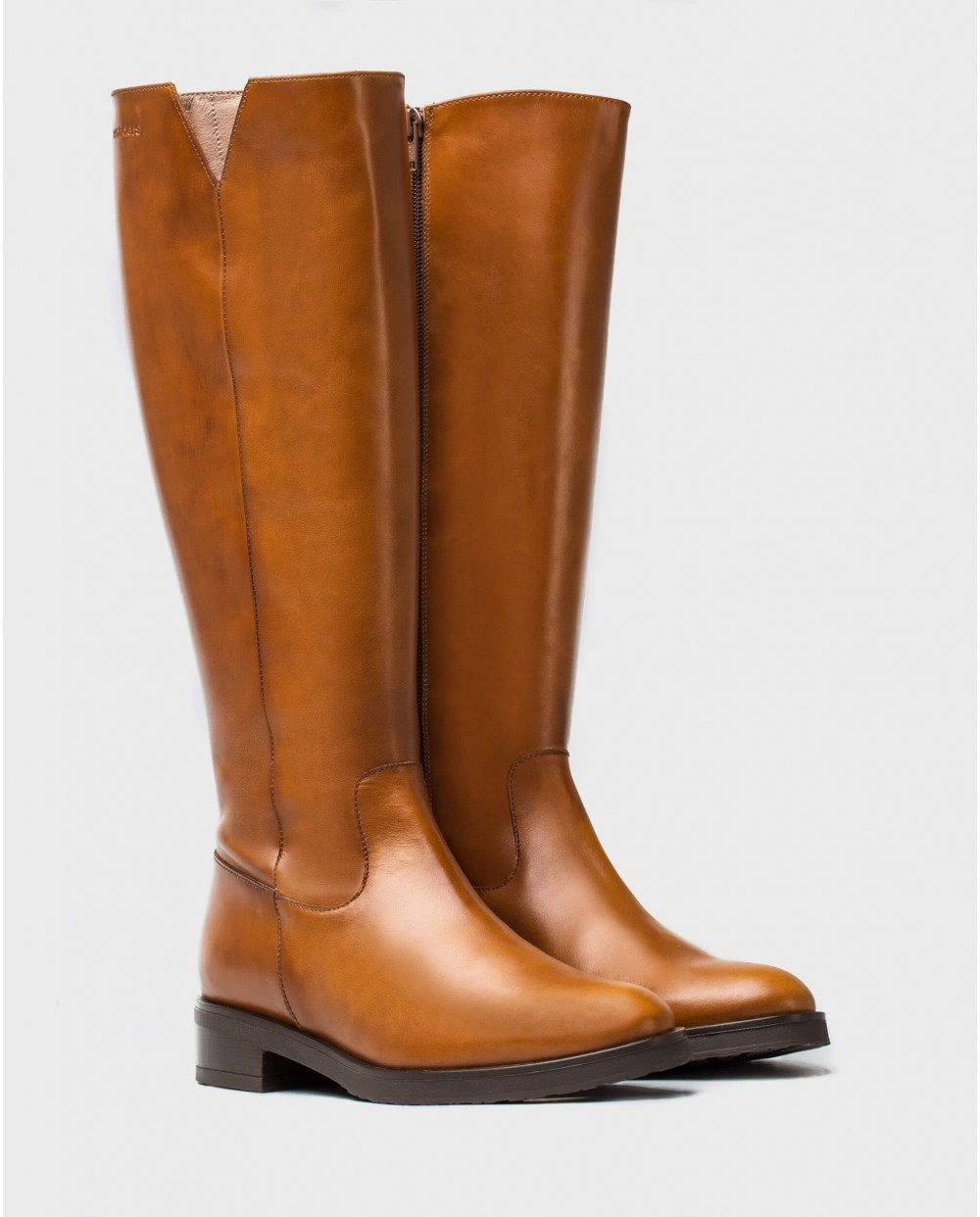Wonders-Boots-V cut leather boot