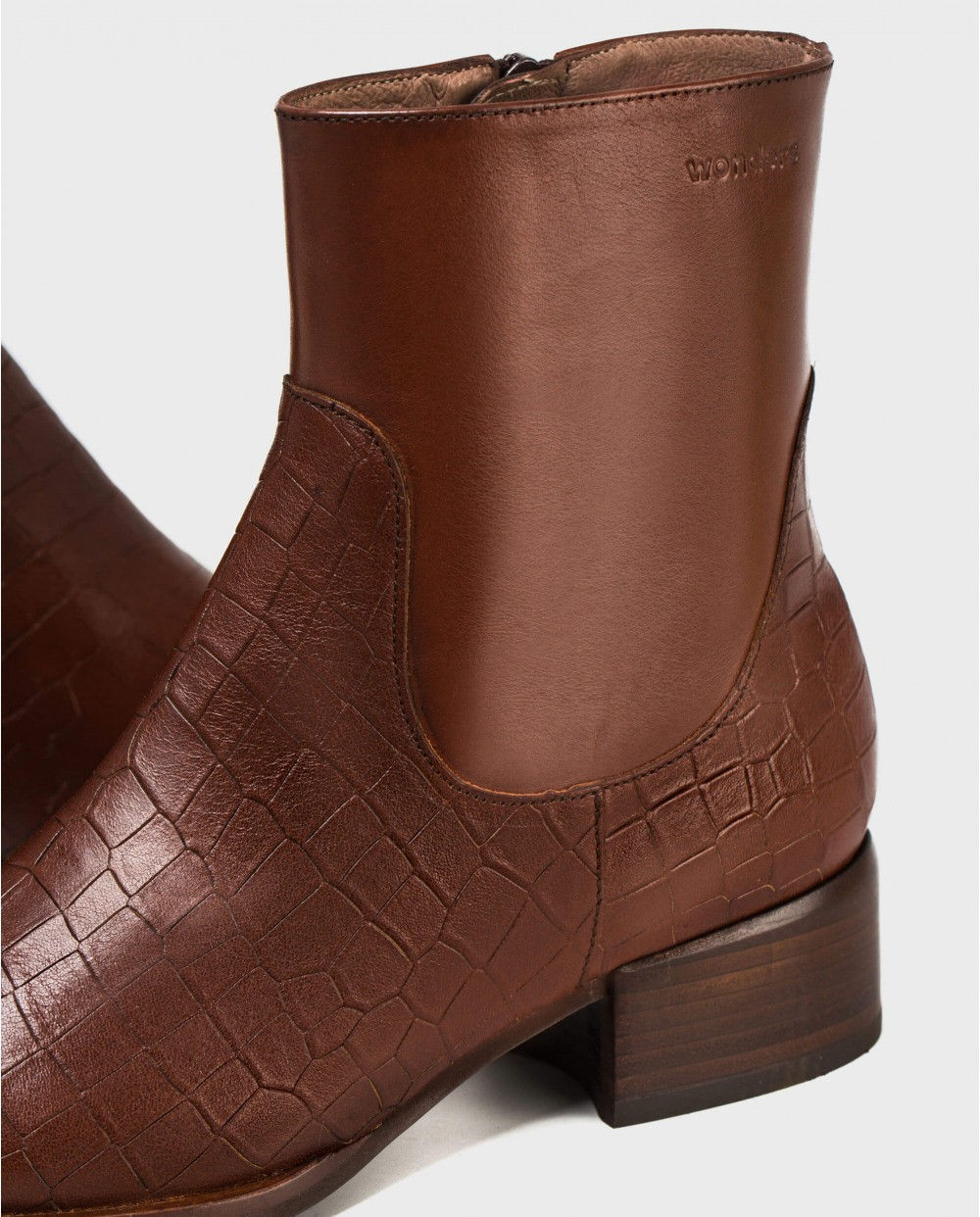 Wonders-Ankle Boots-High leather ankle boots