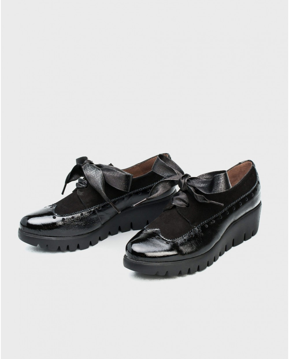 Wonders-Wedges-Patent leather sneaker with satin ribbon