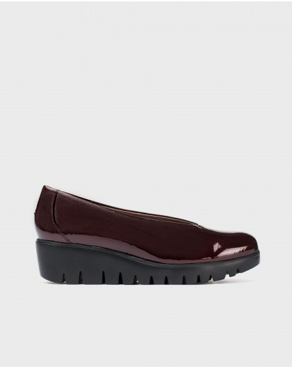 Wonders--Patent moccasin with wedge heel