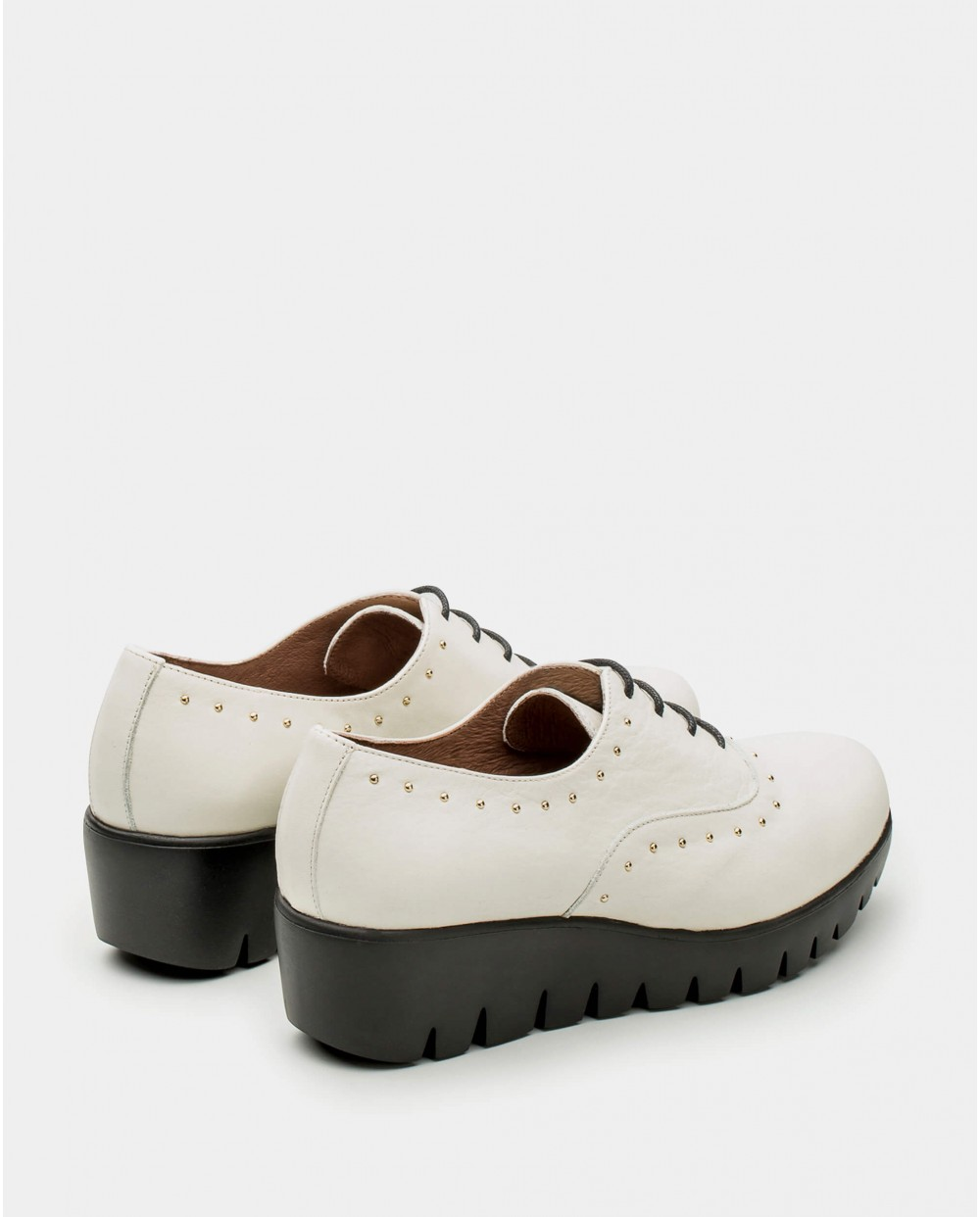 Leather brogues with studs