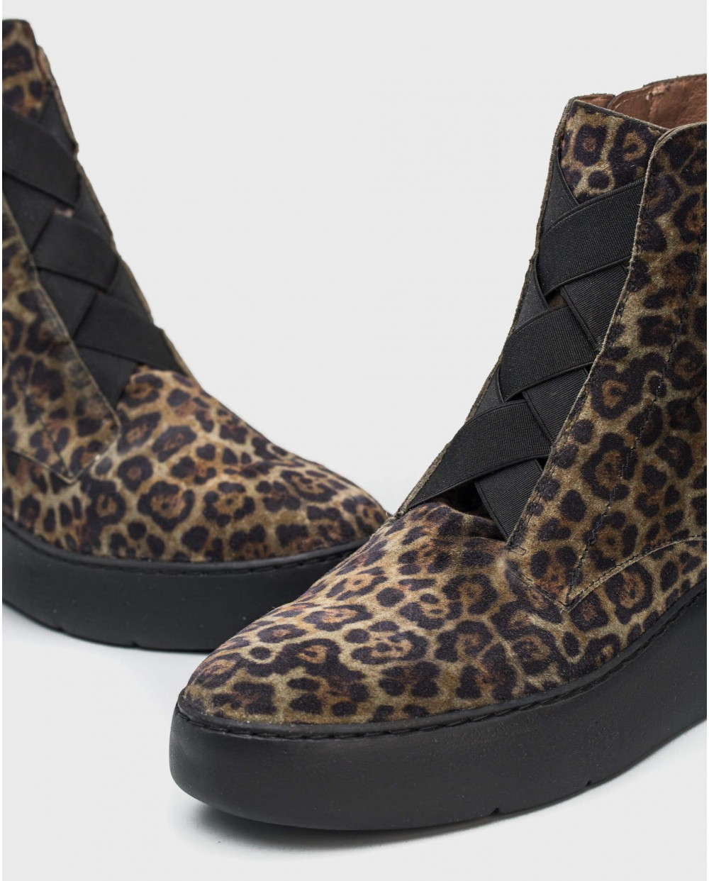 Wonders-Ankle Boots-Animal print ankle boot with elastic closure