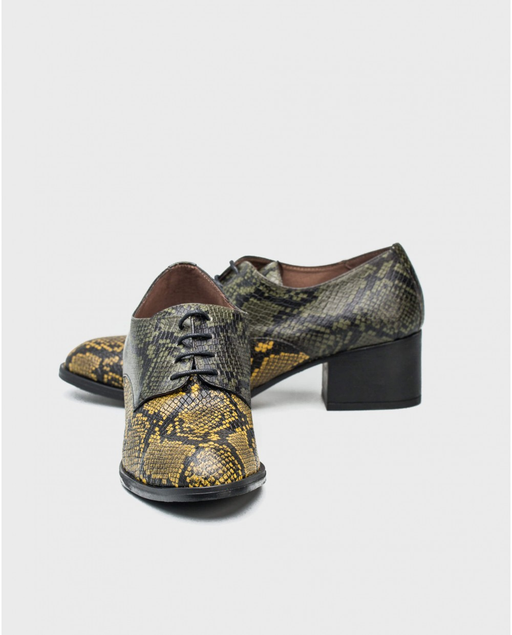 Wonders-Heels-Leather shoe in a combination of snake print