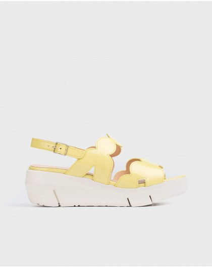 Wonders-Sandals-Patent leather sandal with wavy straps