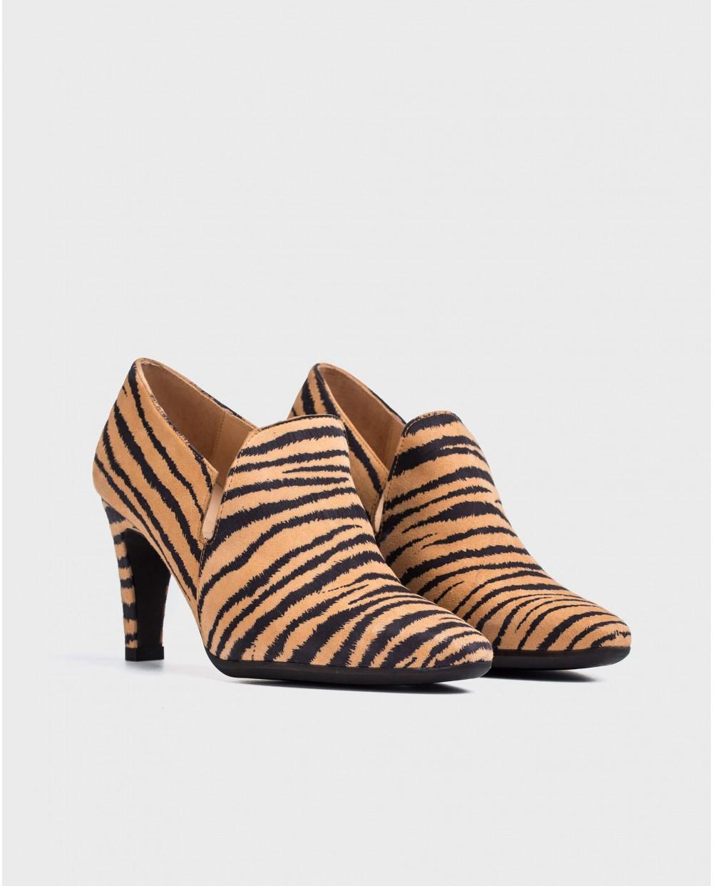 Wonders-Heels-Zebra print boot inspired shoe