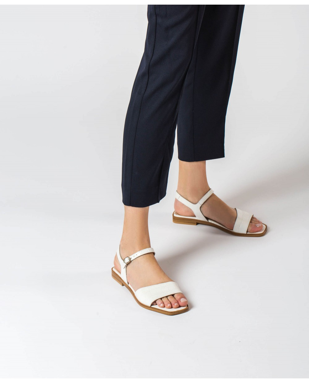 Wonders-Outlet-mock croc flat sandal
