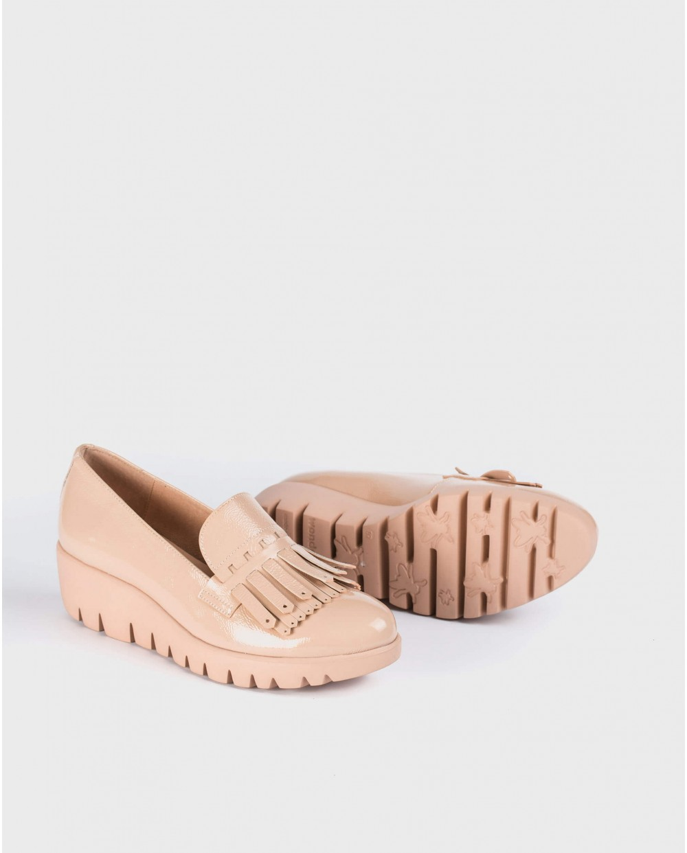 Wonders-Wedges-Patent leather moccasin with fringe detail