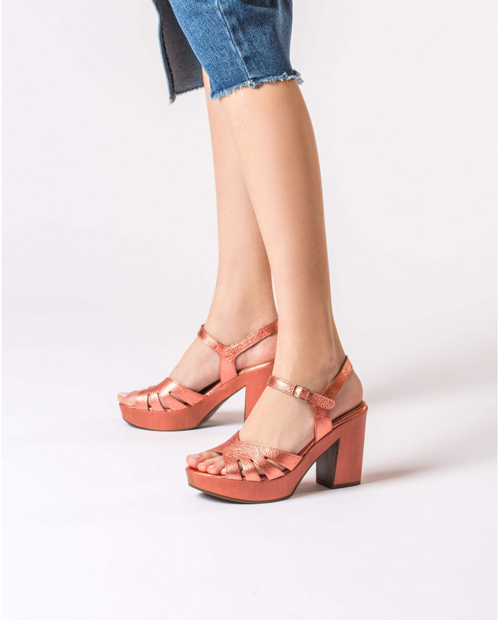 Wonders-Sandals-Leather sandal with side cut out detail