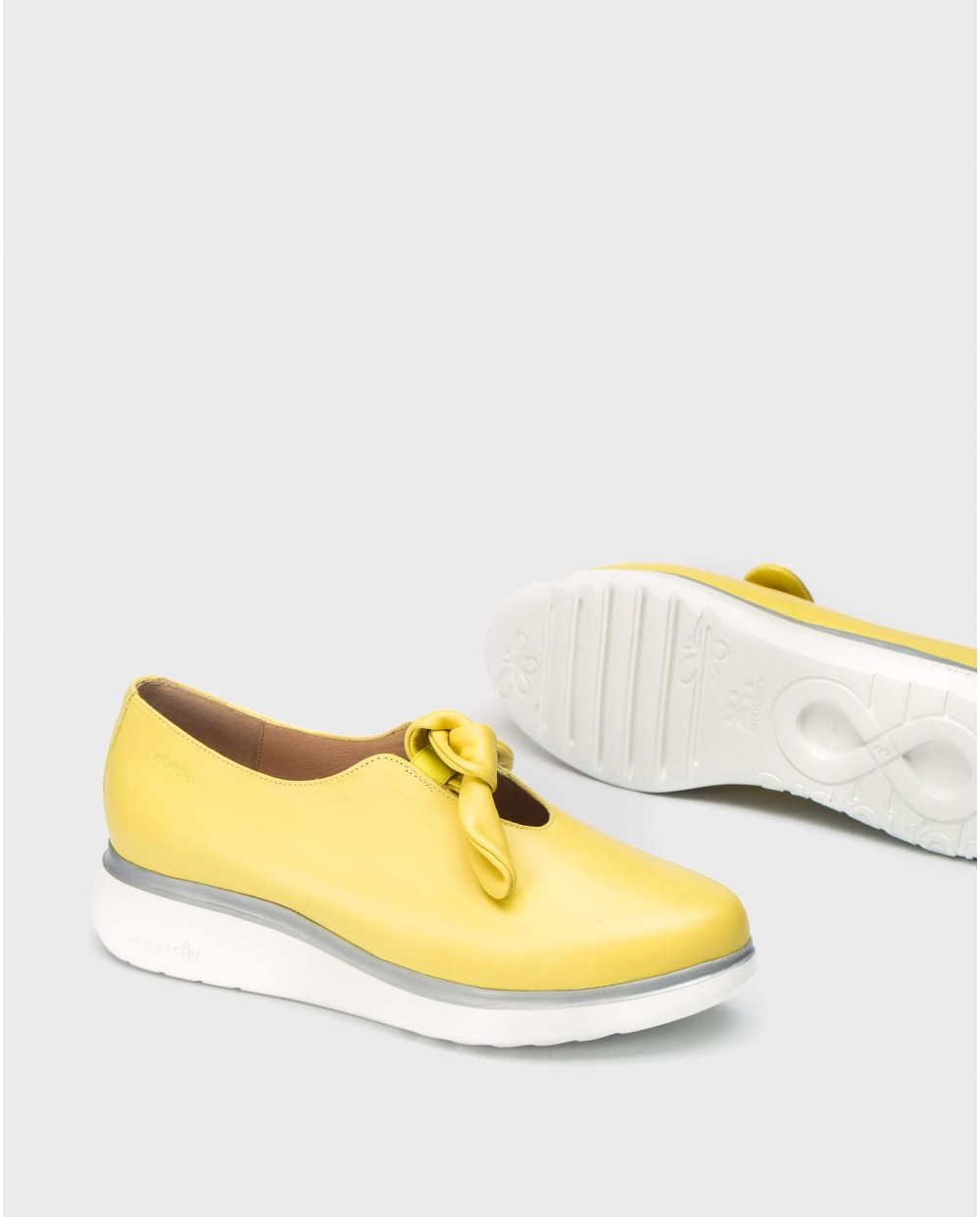 Wonders-Wedges-Moccasins with bow detail