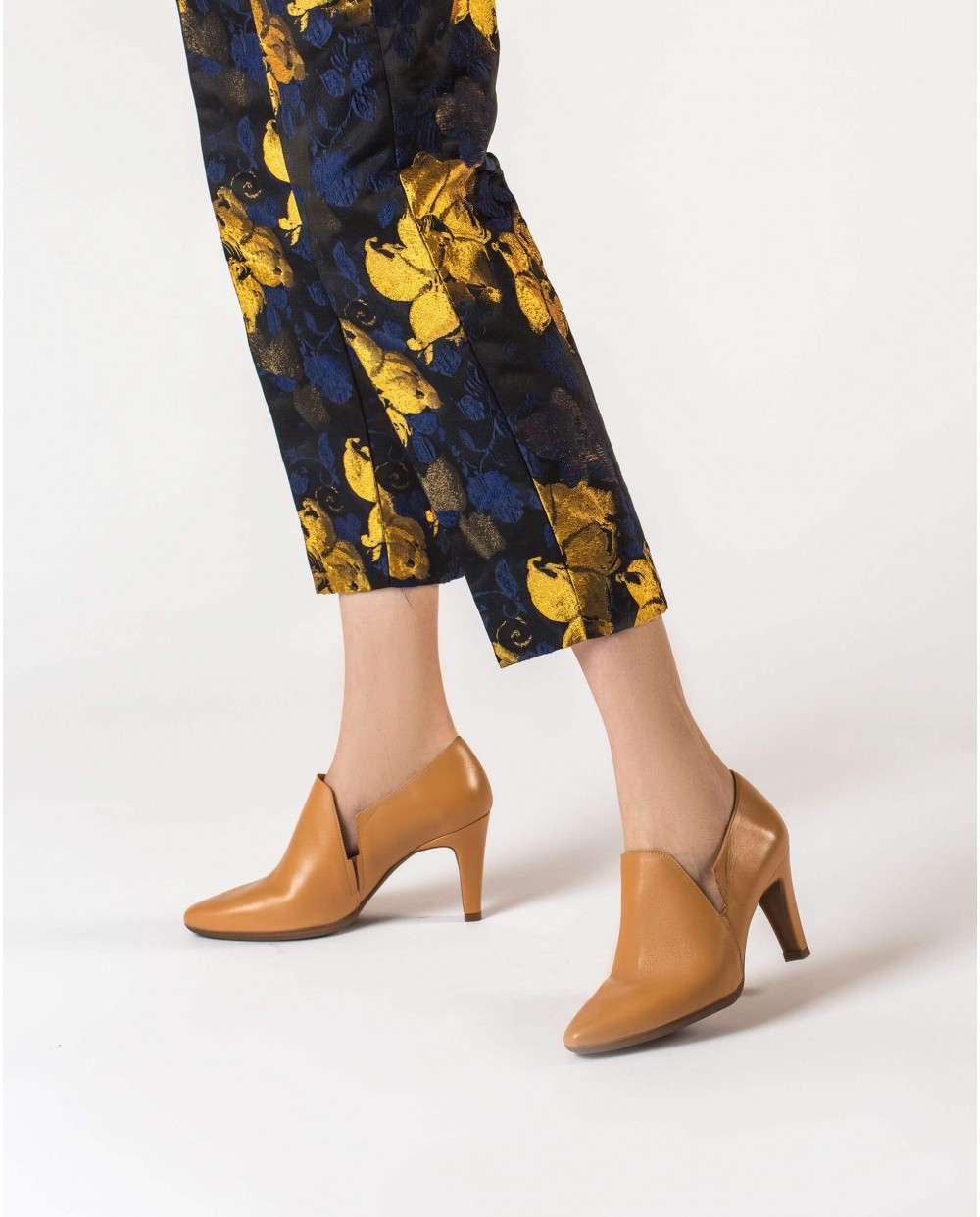 Wonders-Heels-Leather boot inspired shoe