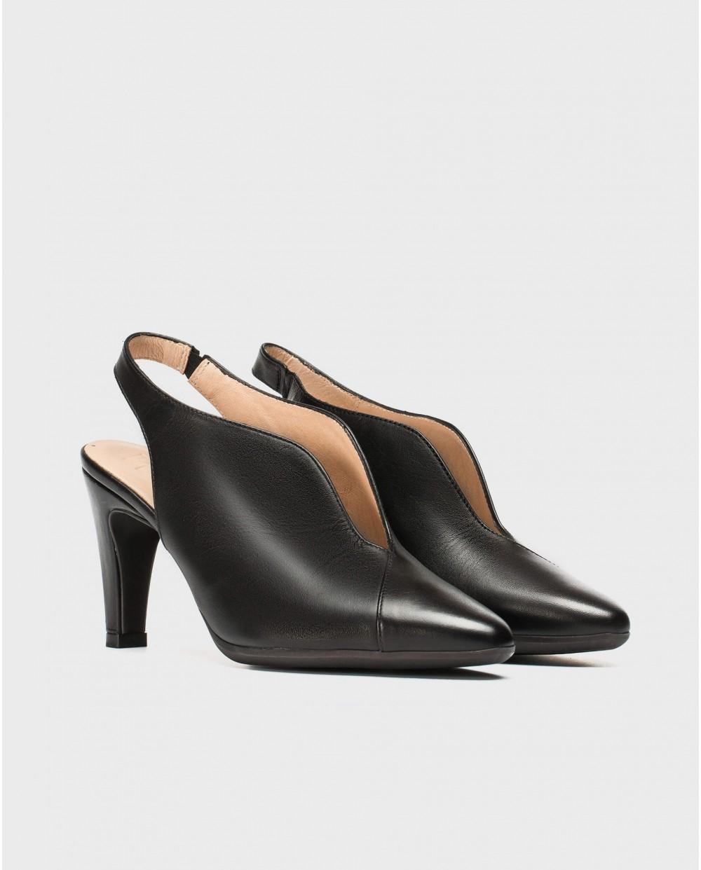 Wonders-Heels-V cut court shoe