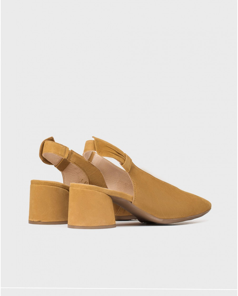 Wonders-Heels-Suede shoe with bow