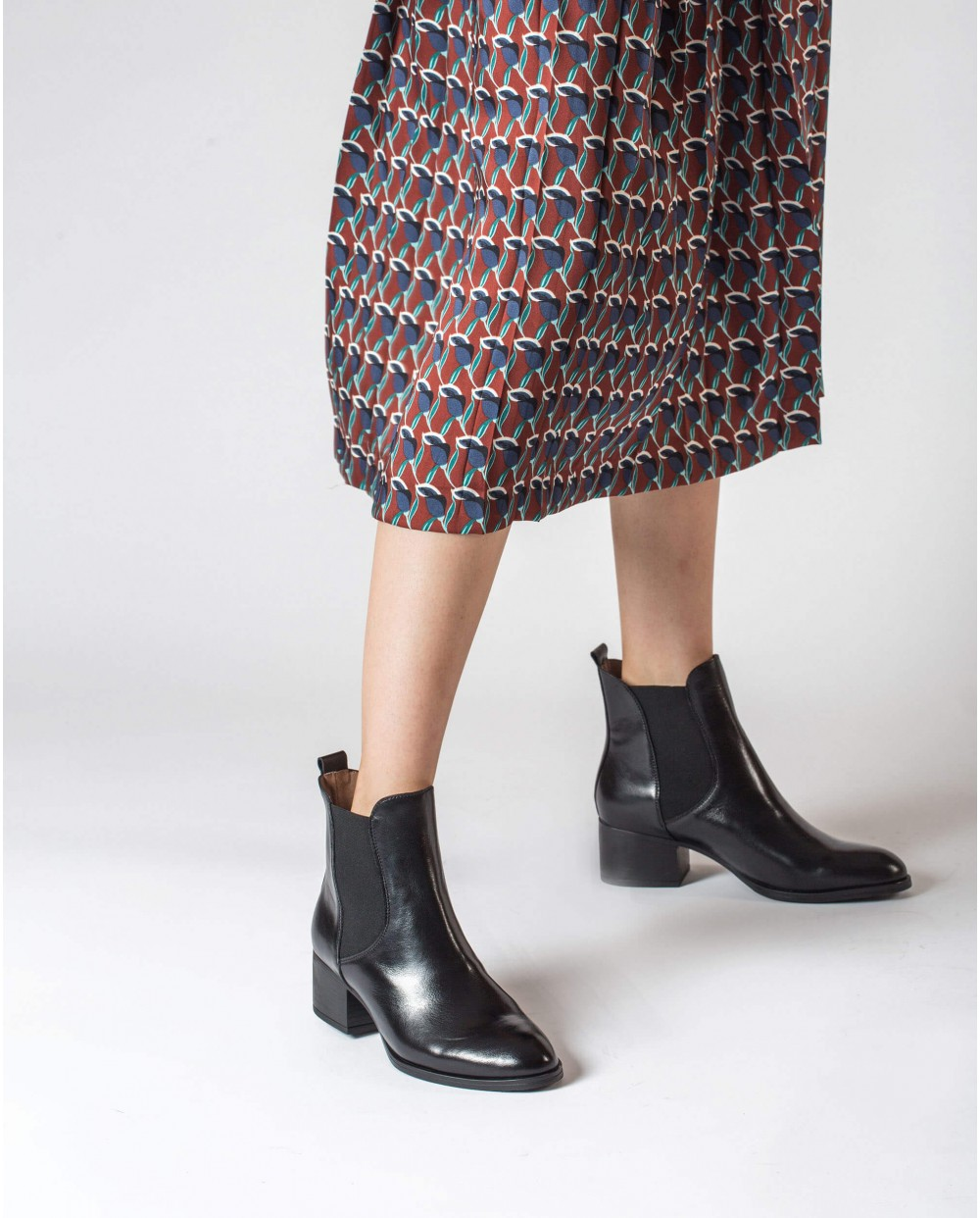 Wonders-Ankle Boots-Chelsea ankle boot with elastic