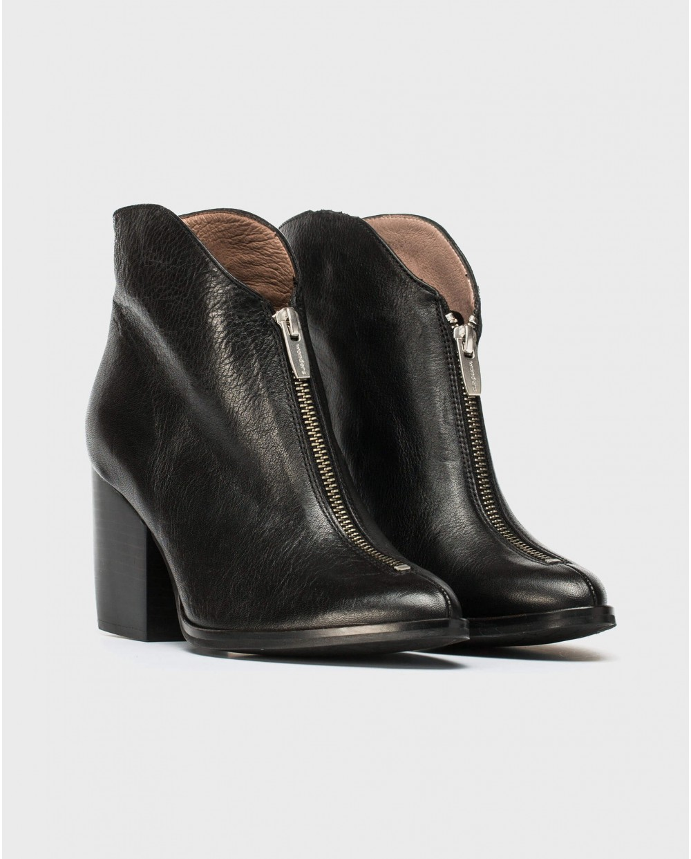 Wonders-Ankle Boots-Cowboy style ankle boot with zip