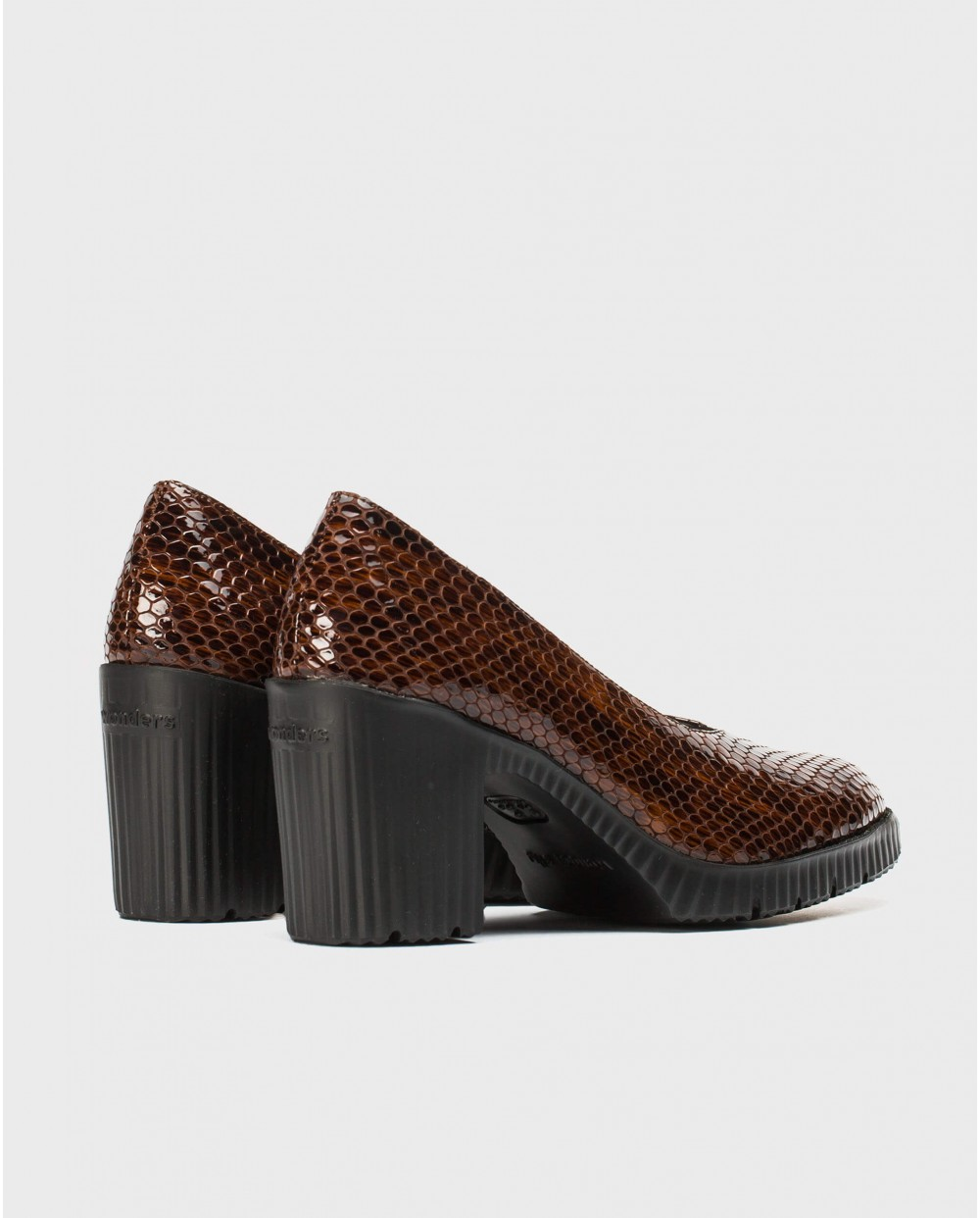Wonders-Heels-High heeled shoe with throat
