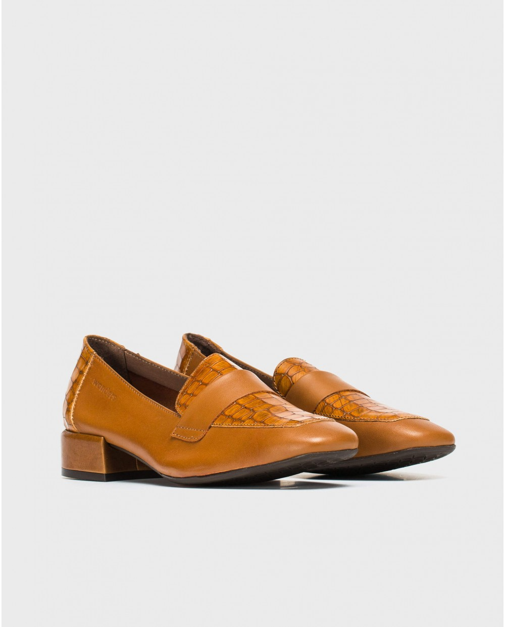 Leather Peny loafer with saddle