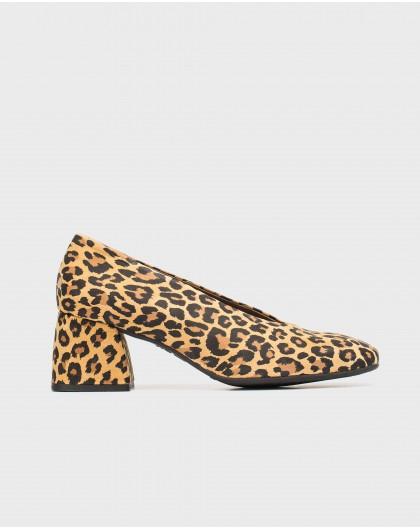 Zapato de tacón estampado animal