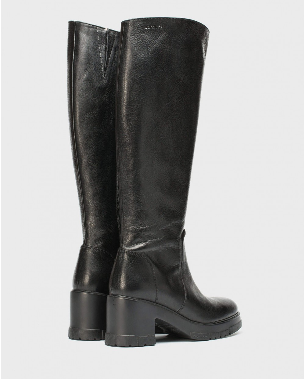 Wonders-Boots-Black leather boot with track sole