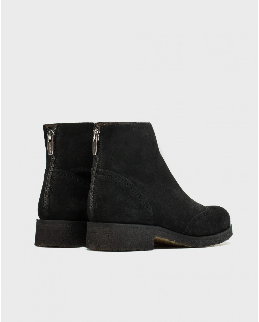 Crepe Chelsea ankle boot